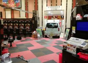 マルハン仙台新港店に車突っ込み店の一部を破壊 逮捕の男「意図的」と話す